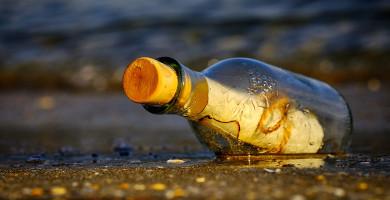 source: https://pixabay.com/photos/message-in-a-bottle-bottle-sea-3437294/ [pixabay licence]]